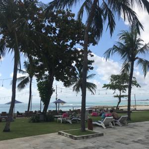プールからビーチへ ~Discovery Kartika Plaza Hotel~