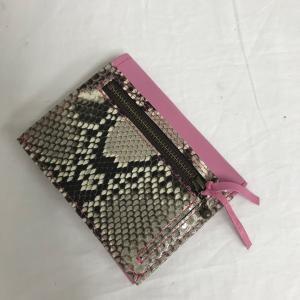 M0722二つ折り財布