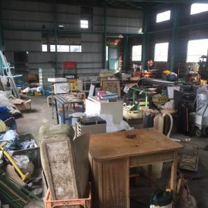 燕市で行った工場売却に伴う片付け掃除作業風景