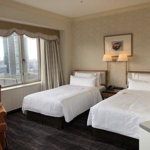 わずか34,100円で沖縄まで2人で往復できる方法は1泊6~10万円ほどする高級ホテルに無料宿泊