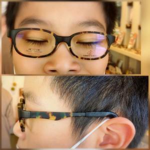 視覚障がい児3男が4年ぶりにメガネ新調