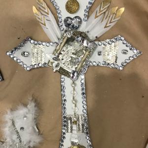 30センチの革の十字架色々