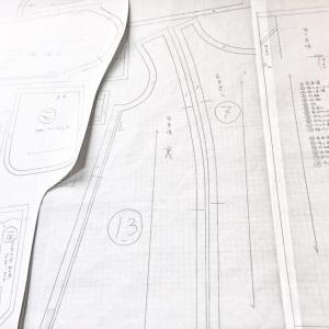 型紙の仕事★完成したパターン公開★裏地にはキセを付けて描きます