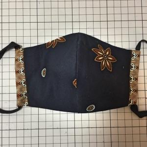 バティックで布マスク★裏布はキセを掛けて縫うよ★オーダー品