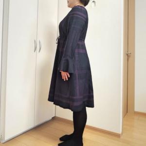 前あきの着やせワンピース★ふくよかな方でもフィットした服が格好いい!