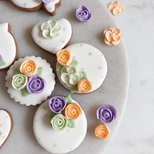 お花絞りは素敵アイシングクッキーなプレゼント向き♡レッスンに追加
