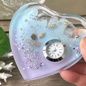 ハートとイルカの置き時計
