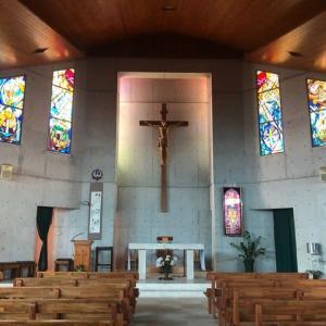 カトリック泡瀬教会のステンドグラス
