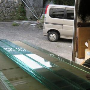 積層ガラスモニュメント制作