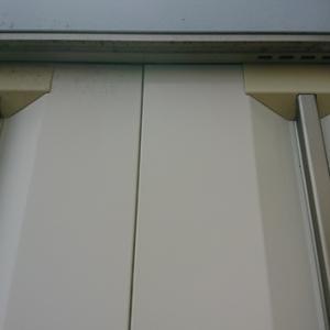 イナバの物置扉塗装