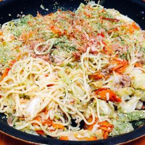 野菜たっぷり塩焼きそば♪( ´▽`)