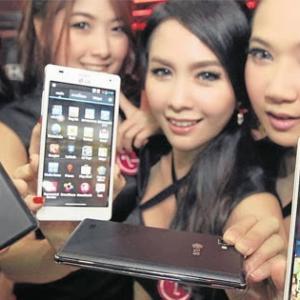 タイのスマートフォン利用動向及び普及率~急速に進むスマホの普及~