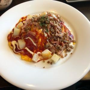 愛知県稲沢市にある『ビルズカフェ』にオムライスを食べに行ってきました。