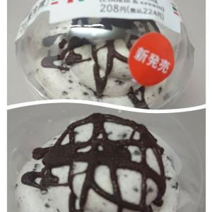 セブンのクッキー&クリームのミルクプリン☆タカキベーカリーのプチサンド☆