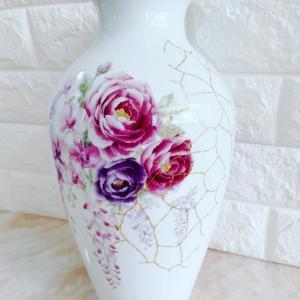 釜いっぱいの大きな花瓶