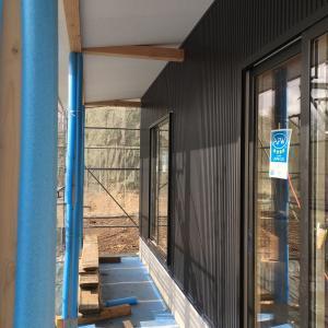 【現場レポ】ガルバの外壁施工完了&薪ストーブライフ
