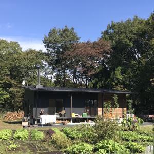 【那須の平屋の家】 秋真っ只中・薪ストーブに点火!