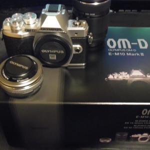 OLYMPUS OM-D E-M10 Mark III を購入しました