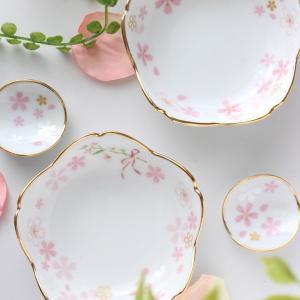 桜型のプチプレートは桜の花びら転写紙で春らしく♪【ポーセラーツ生徒様作品】