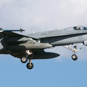 VFA-195 NF-404 -01