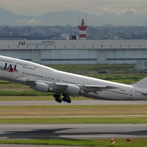 Boeing 747-446D JA8907 -01