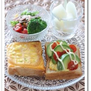 めんたいマヨチーズたまごのっけパンと アボカドチーズたまごのっけパン♪