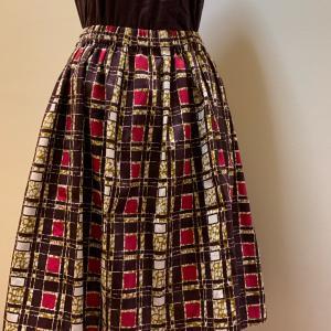 合わせやすい柄アフリカ布のふんわりスカート