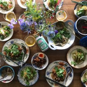 台湾料理とパクチー