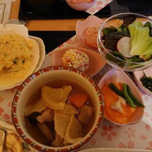 横浜ランドマークタワー内のカフェレストランで季節のランチセット!「フローラ (FLORA)」(みなとみらい/洋食)