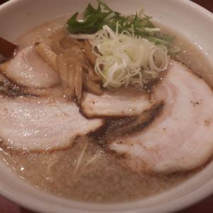 東新宿で美味しい背脂ちゃっちゃ系塩ラーメンのお店を発見!「ミサト (misato)」(新宿/ラーメン)