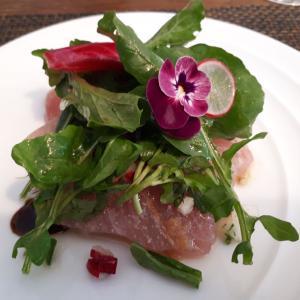 鎌倉にある、地元の野菜・魚介を使った一軒家フレンチ!「サラマンジェ ド ヨシノ」(鎌倉/フレンチ)