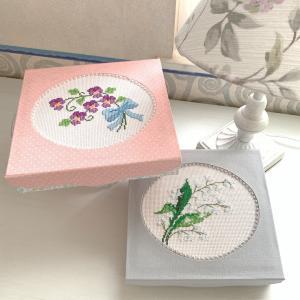 【オーダー作品】刺繍作品を活かす、形にするカルトナージュ作品 part2