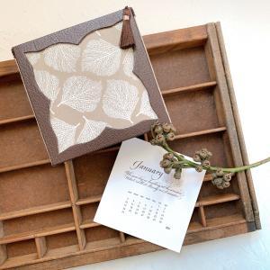 【カルトナージュ作品】カリグラフィーのカレンダーと魅せるカレンダーボックス