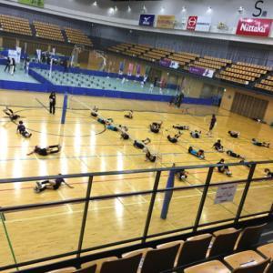 バレーボール教室とパラリンピックイベント。