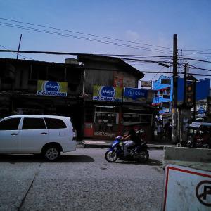【動画】フィリピンでの危険なバイク事故!運転が下手な人が多い。