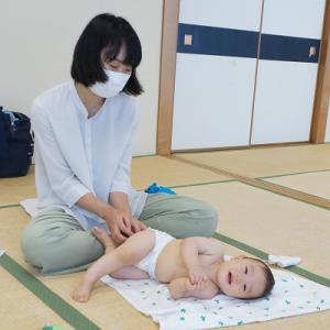 マッサージで赤ちゃんもママもニコニコ♪川崎市宮前区高津区ベビーマッサージ教室