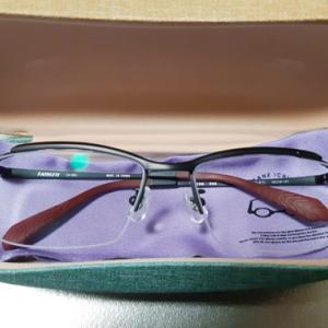 メガネを新調しました。。。