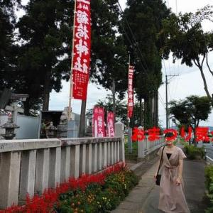 神社の祭りと中華食堂