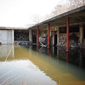 桧原湖の廃墟