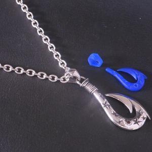 新作! 星をランダムに彫り込んだ釣り針ペンダントのワックス原型!