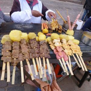 クスコで食べたペルー料理 アンティークチョーク