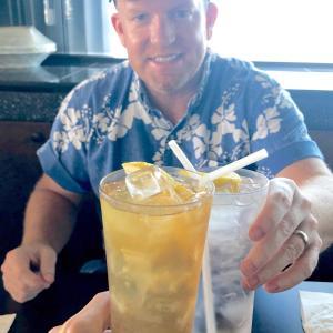 """サイパンNo.1シェフが刷新、グアム南部の人気上昇中レストラン「マリーナグリル」でランチ/ South Guam's Hidden Gem """"Marina Grill"""""""