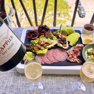 ドラピエナチュレとリュックベレーロゼでサンデーバルコニーランチ/ Basa Three Ways Champagne Balcony Lunch