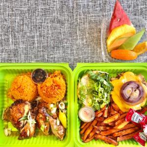 グアムのミリタリーベース内のマスク事情とチャモロビレッジ内のジャマイカングリルをテイクアウトディナー/ Takeout Dinner from Jamaican Grill in Chamorro Village