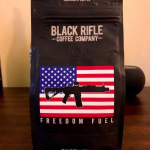 平日の朝はKカップ、週末の朝はカラフェドリップで/ Black Rifle Coffee Company