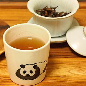 雲南古樹紅茶と米粉パン