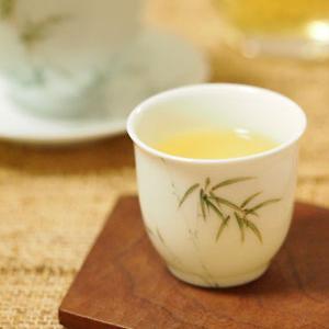 文山包種の冬茶と初夏のマクワウリ