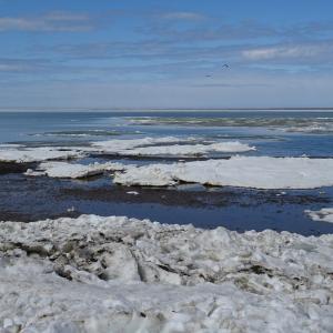 雪解けのサロマ湖