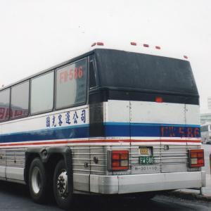 """台北駅と桃園空港結ぶ米製の""""銀色バス""""、2015年末に引退/台湾"""