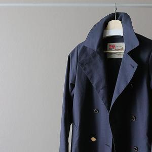 40代ファッション、立春から着たくなるトレンチコート。
